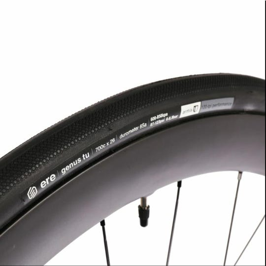 Genus ProRoad Tubeless 120 TPI Tire